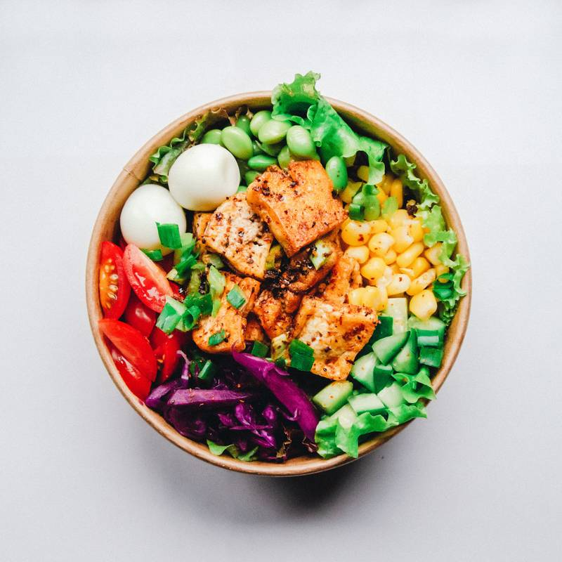 vegetable and meat on bowl