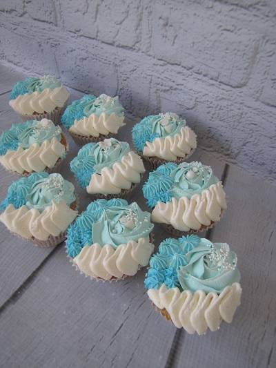 Cupcakes%202%20pienennetty-me.jpg