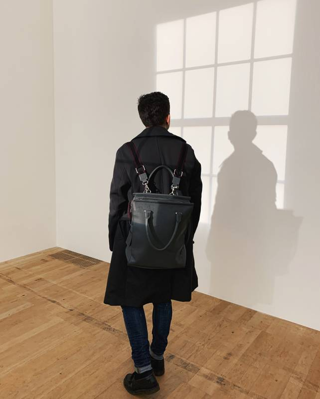 Minimal portrait at Tate Modern. London.