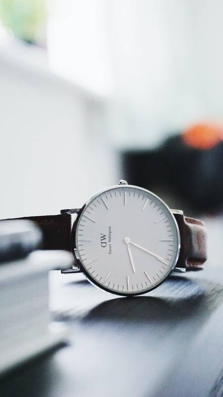 Here is my Daniel Wellington Classic Durham watch in 36mm with a white face, silver body and tan leather strap.